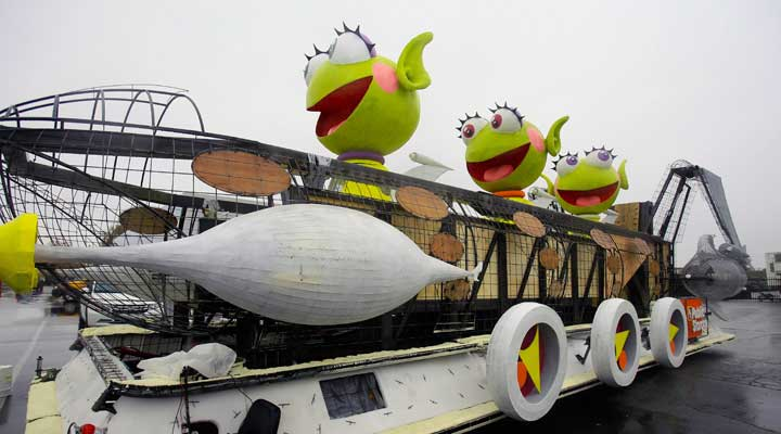 test drive of the public storage rose parade float