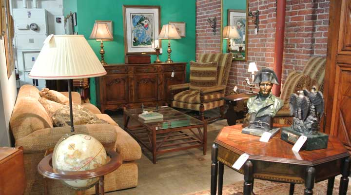 estate sale showroom with furniture1