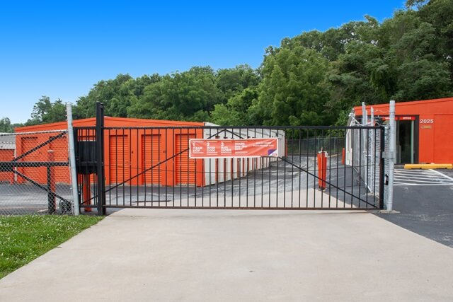 public storage 2025 chemical road plymouth meeting pa 19462 security gateb
