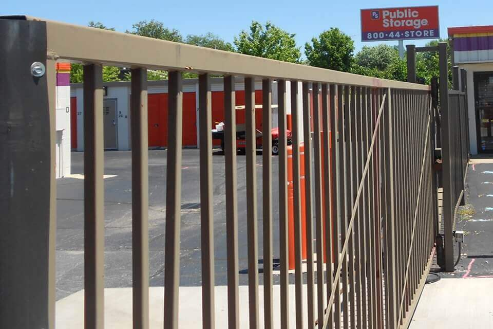 public storage 4127 bardstown road louisville ky 40218 security gate