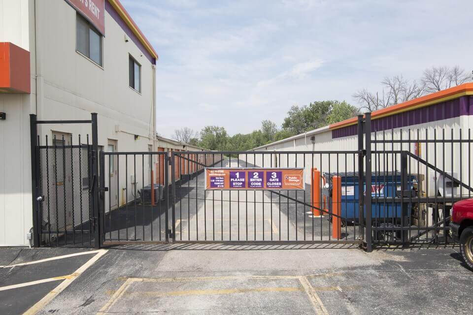 public storage 4100 east main street st charles il 60174 security gate