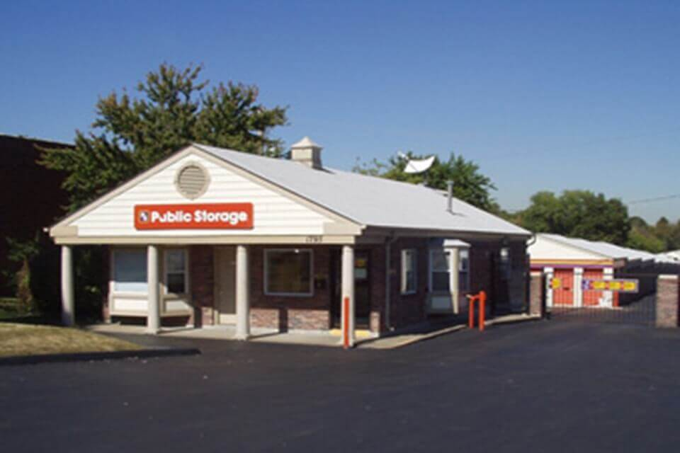 Storage Units Off 1795 N Us Highway 67 In Florissant Mo