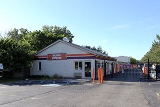 public storage 1550 old church road streamwood il 60107 exterior 1
