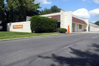 public storage 4780 arlington centre blvd upper arlington oh 43220 exterior 1