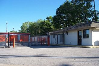 public storage 9104 east 47th street kansas city mo 64133 exterior 1