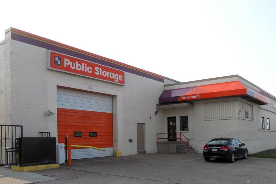 public storage 2250 w 117th street cleveland oh 44111 exterior