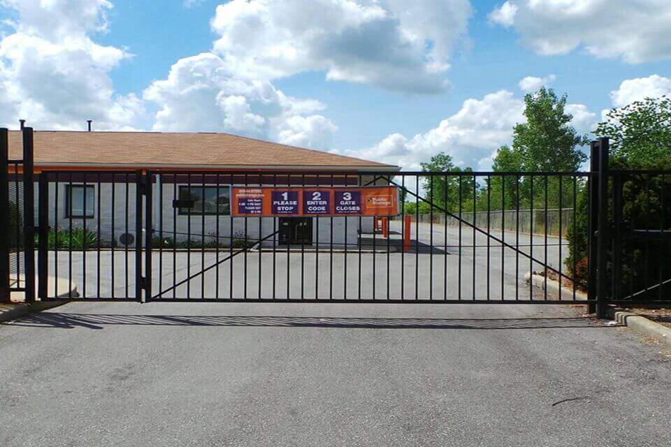 public storage 5519 illinois road fort wayne in 46804 security gate
