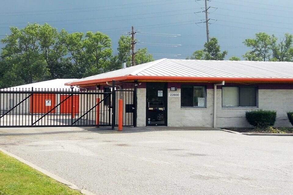 public storage 22800 miles road bedford heights oh 44128 exterior