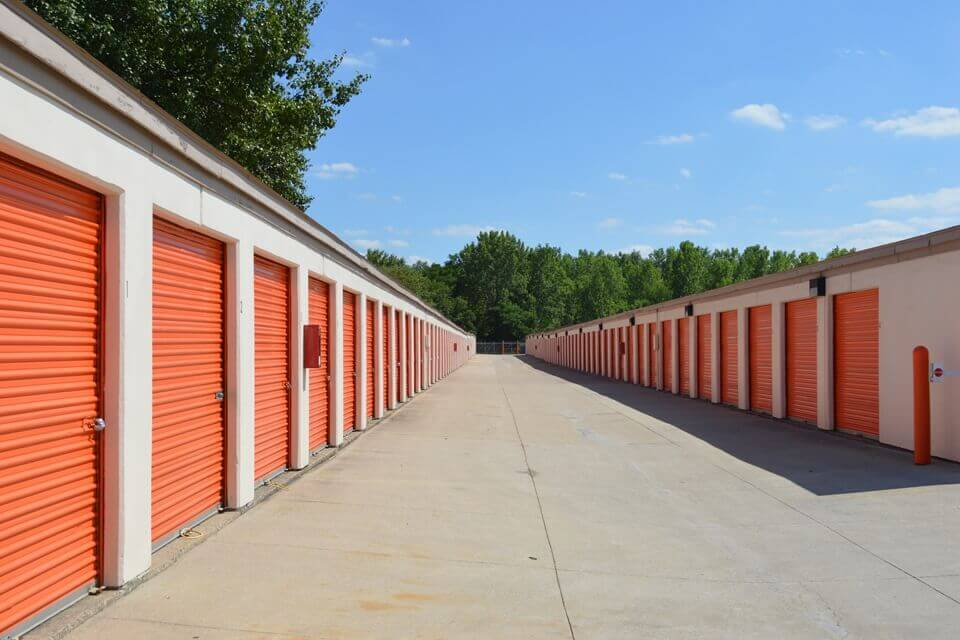public storage 11395 brookpark road parma oh 44130 units