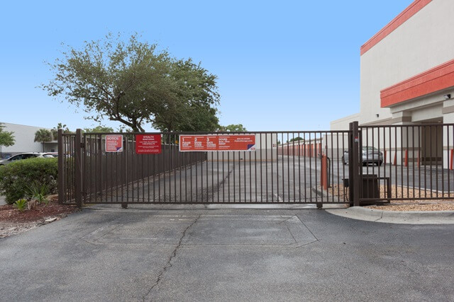 public storage 8230 n dale mabry hwy tampa fl 33614 security gatea