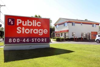 public storage 1300 east chicago street elgin il 60120 exterior 1