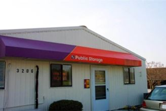 public storage 3206 n ohenry blvd greensboro nc 27405 exterior 1
