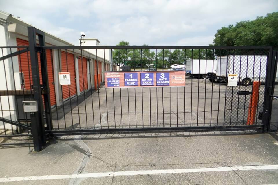 public storage 9033 lyndale ave s bloomington mn 55420 security gate