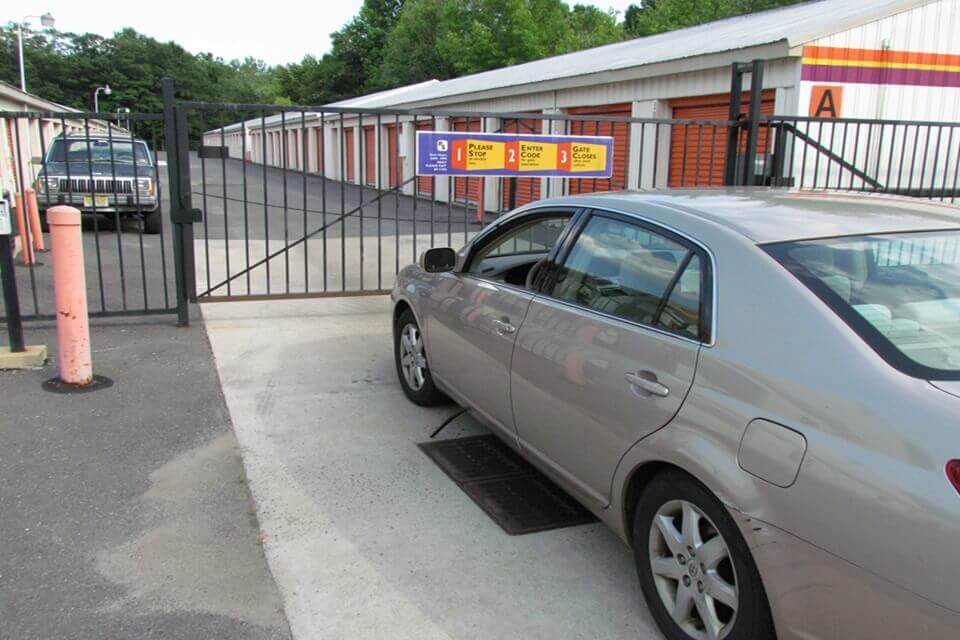 public storage 407 route 541 byp mount holly nj 08060 security gate