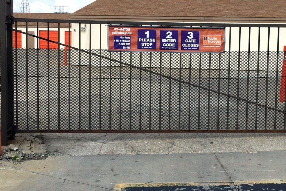 public storage 4350 s east street indianapolis in 46227 security gate