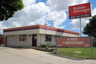 public storage 8824 w brown deer road milwaukee wi 53224 exterior