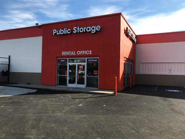 public storage 2401 brooklyn queens expy woodside ny 11377 exterior