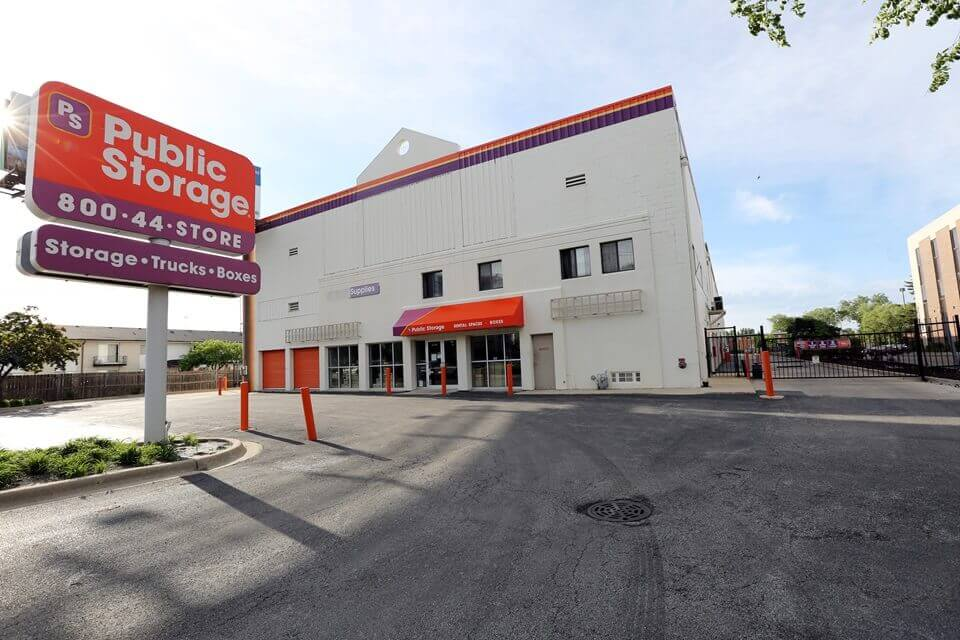 public storage 8790 w golf road des plaines il 60016 exterior