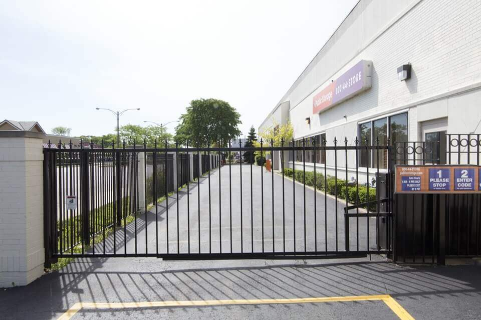 public storage 6460 n lincoln ave lincolnwood il 60712 security gate