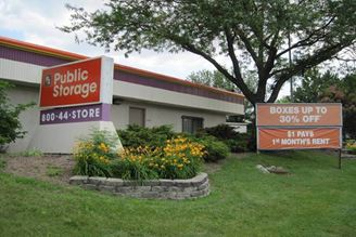 public storage 6676 w appleton ave milwaukee wi 53216 exterior