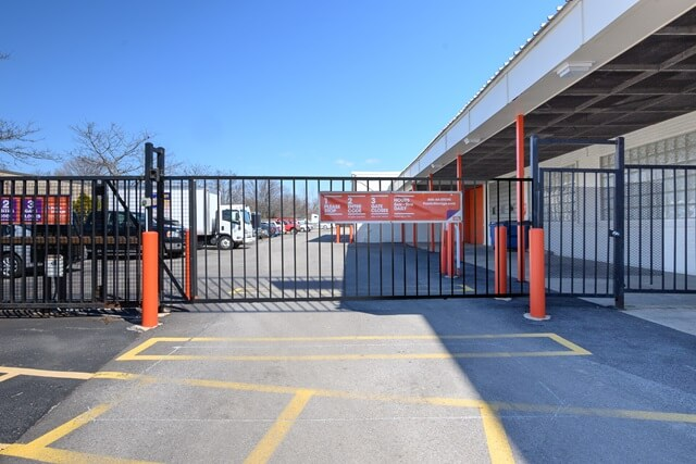public storage 708 w central road mount prospect il 60056 security gateb