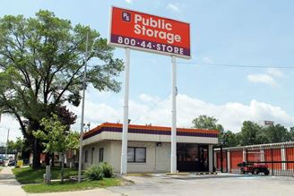 public storage 535 s 84th street milwaukee wi 53214 exterior