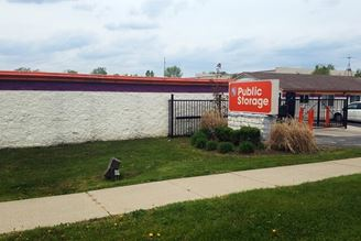 public storage 34050 w 9 mile road farmington mi 48335 exteriora