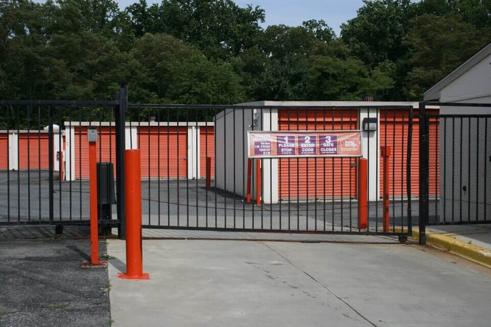 public storage 5801 woodcliff rd bowie md 20720 security gate