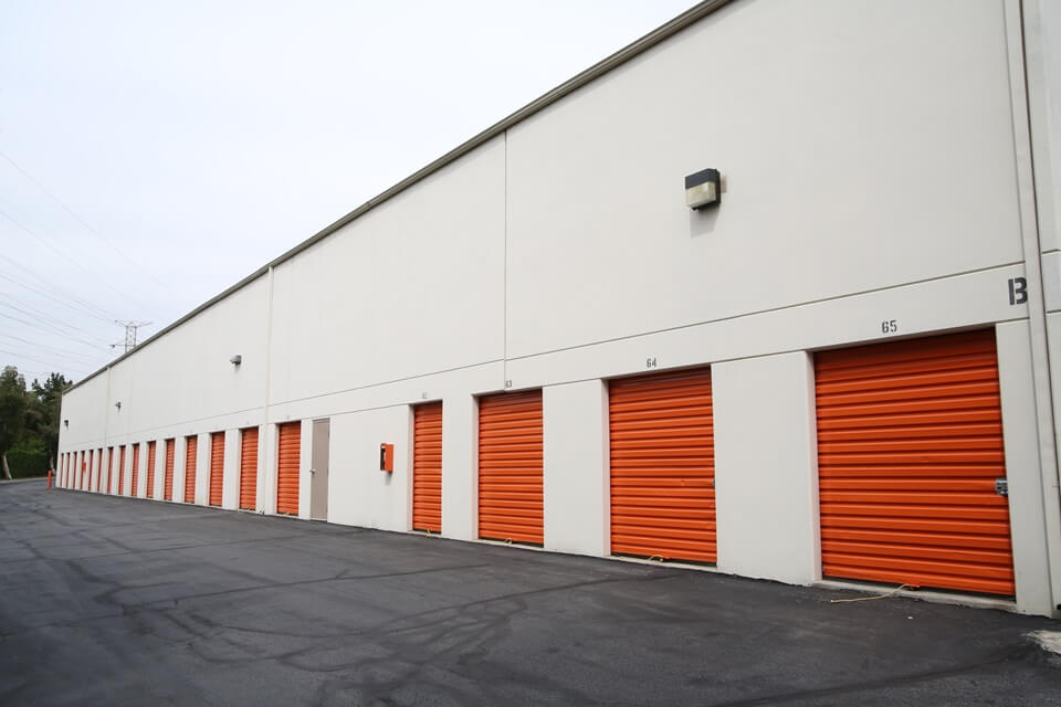 public storage 18175 chatsworth ave granada hills ca 91344 units