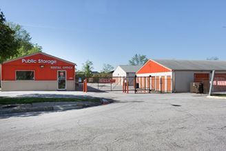 public storage 5601 e 112th terrace kansas city mo 64137 1 exterior 1b