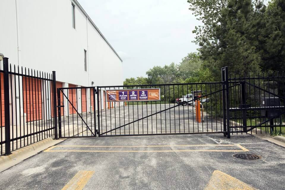 public storage 555 e aptakisic road buffalo grove il 60089 security gate