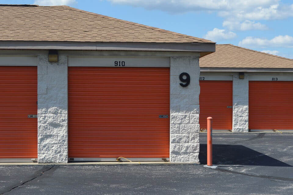 public storage 9425 corporation drive indianapolis in 46256 units