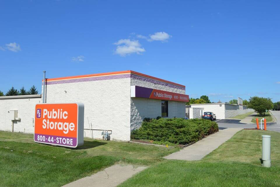public storage 8890 fitness lane fishers in 46037 exterior