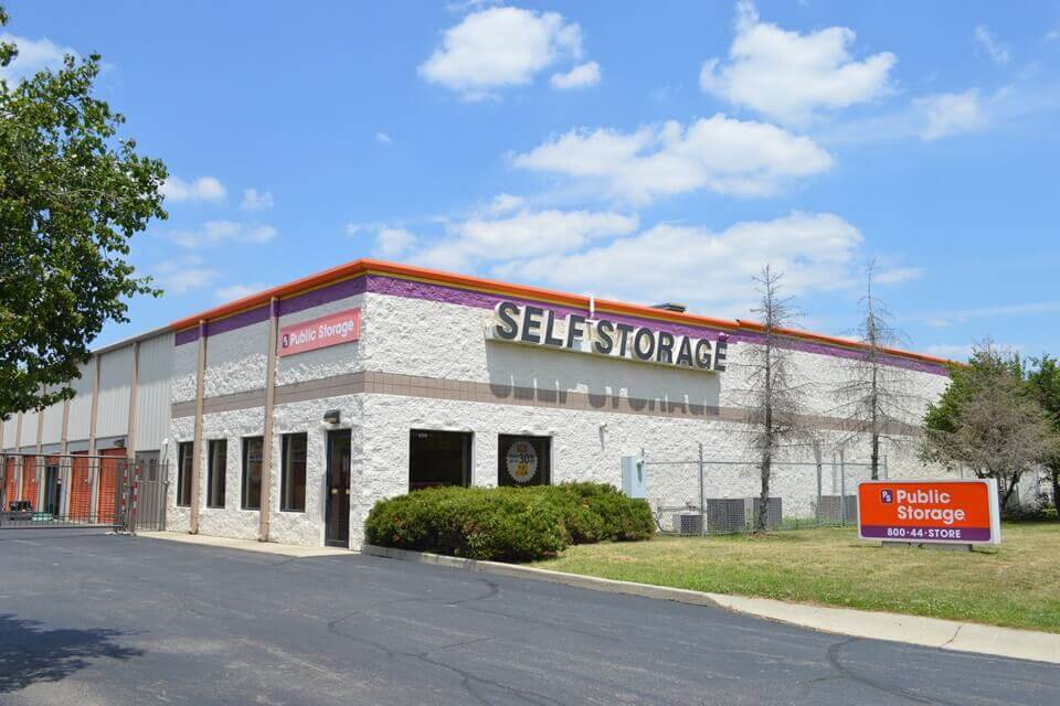 public storage 4310 e 62nd street indianapolis in 46220 exterior