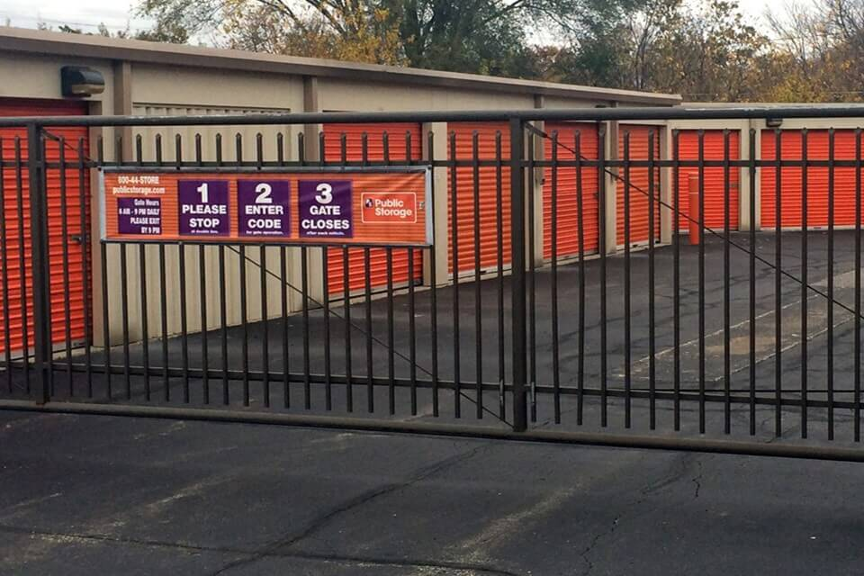 public storage 4310 e 62nd street indianapolis in 46220 security gate