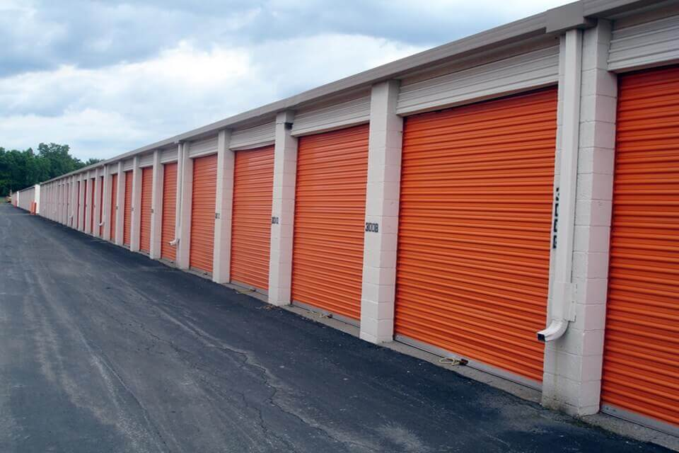 public storage 36260 van dyke ave sterling heights mi 48312 units
