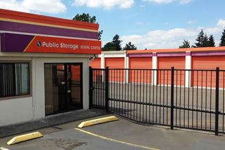 public storage 1421 e powell blvd gresham or 97030 exterior 1