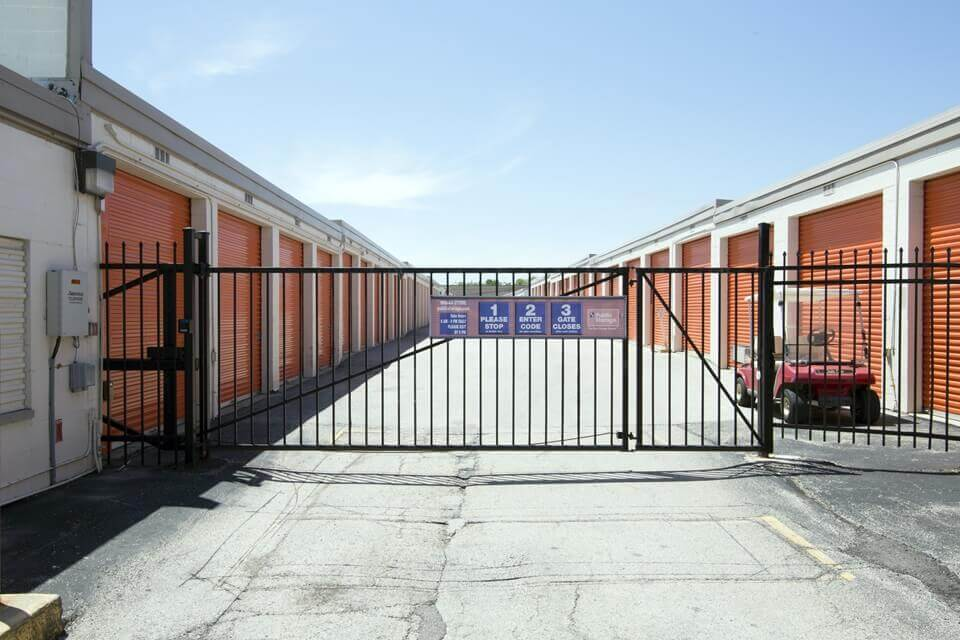 public storage 945 rohlwing road rolling meadows il 60008 security gate
