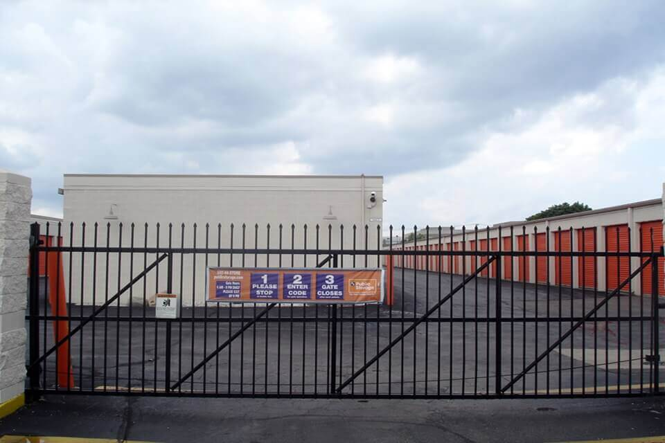 public storage 1315 chicago road troy mi 48083 security gate