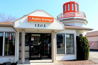 public storage 1202 se 82nd ave portland or 97216 exterior 1