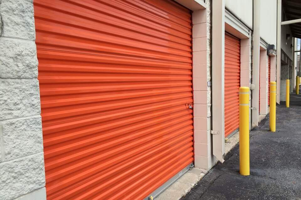 public storage 933 n illinois st indianapolis in 46204 units