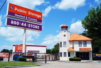 public storage 2100 north loop west houston tx 77018 exterior 1