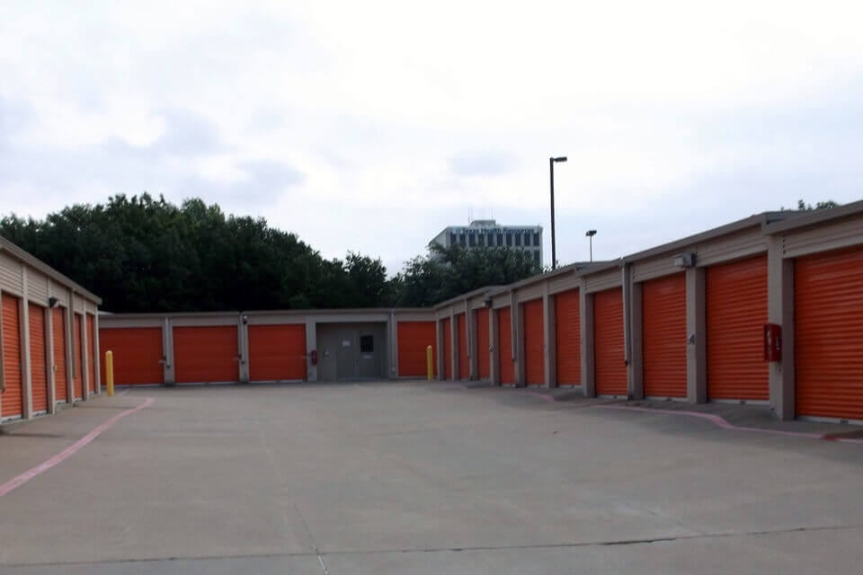 public storage 502 e lamar blvd arlington tx 76011 units