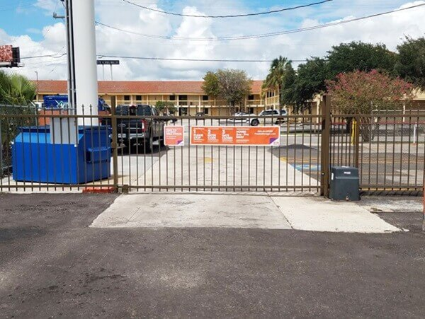 public storage 4622 center park blvd san antonio tx 78218 security gate