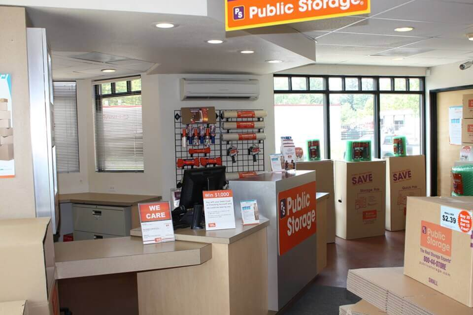 public storage 3701 se international way milwaukie or 97222 interior office
