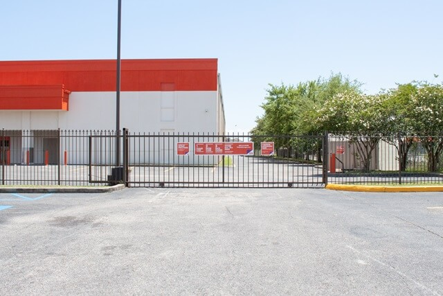 public storage 12320 i 10 service rd new orleans la 70128 security gatea