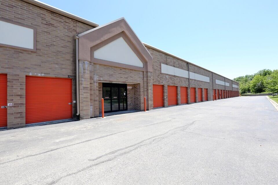 public storage 830 steel st elgin il 60123 units
