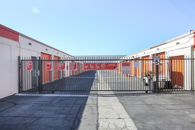 public storage 15534 arrow highway irwindale ca 91706 security gateb