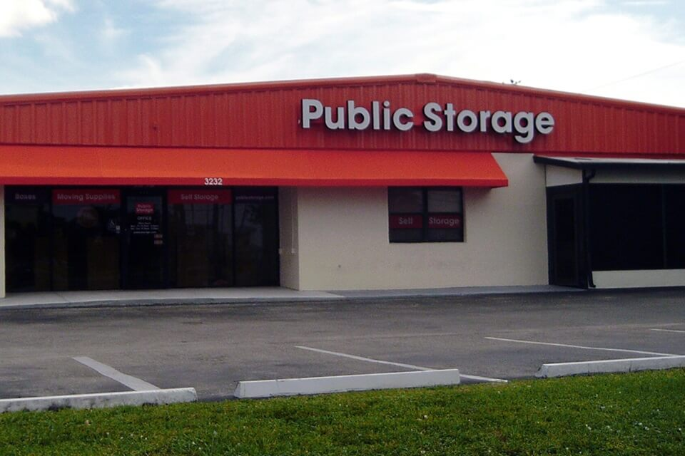 public storage 3232 colonial blvd fort myers fl 33966 exterior