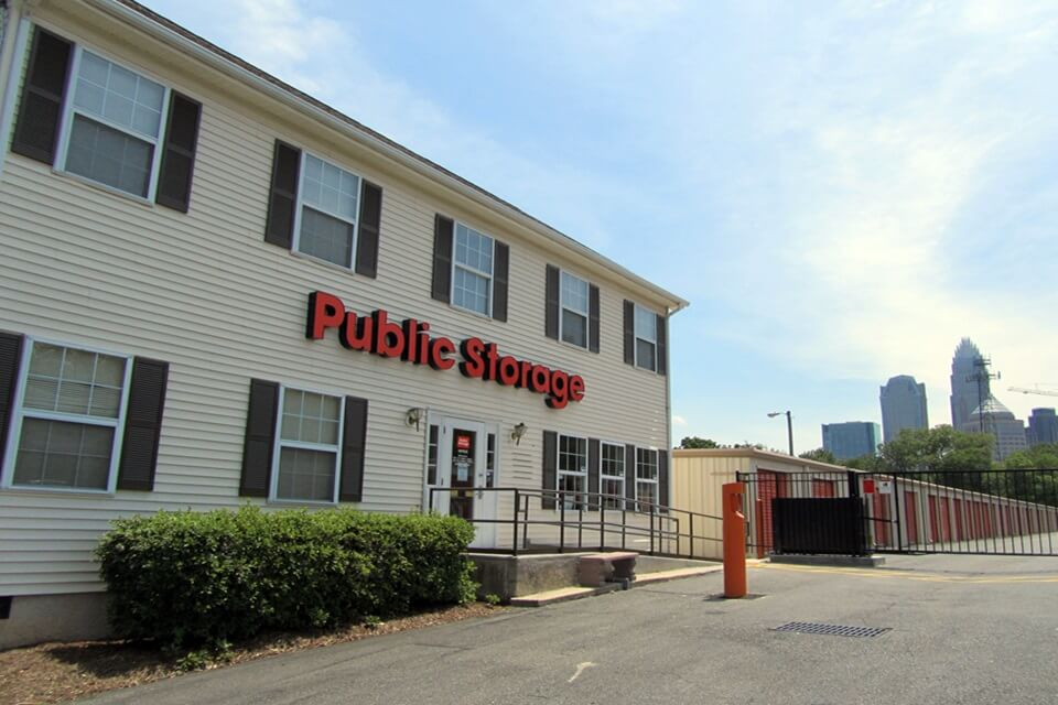 public storage 1001 n tryon st charlotte nc 28206 exterior